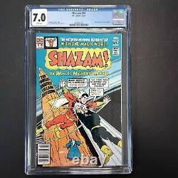 DC Comics Shazam #28 Cgc 7.0 Graded Apperance Of Black Adam White Pages